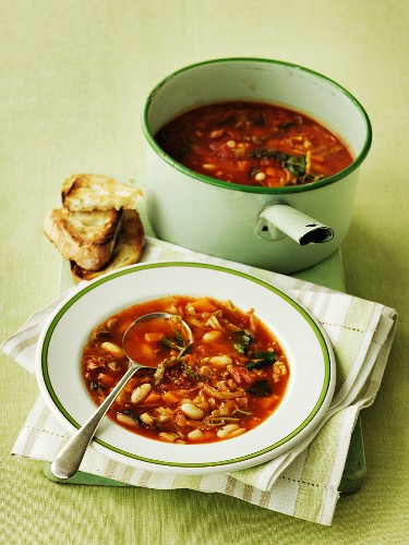 Zuppa ricca (vegetable soup, Tuscany, Italy)