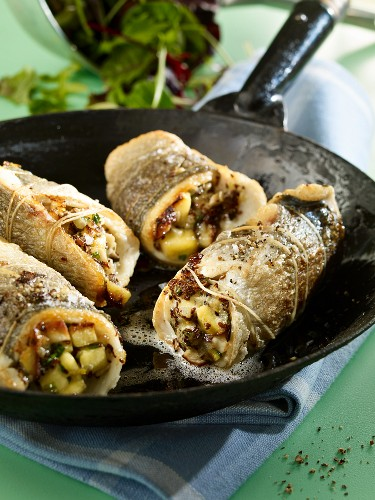 Dorade rolls with a peach and stone mushroom filling (low carb)