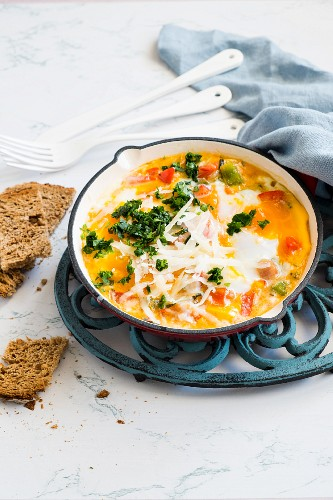 Baked eggs with vegetables