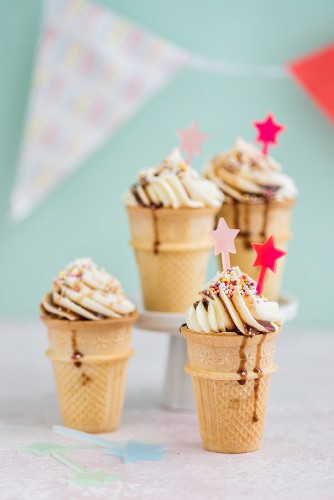 Eiswaffel-Cupcakes mit Vanille-Frosting