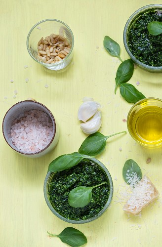 Basil pesto with the ingredients