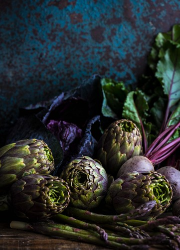 Artichokes, asparagus and beetroot