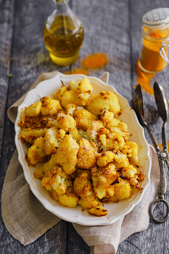 Roasted cauliflower with turmeric, peppers and breadcrumbs