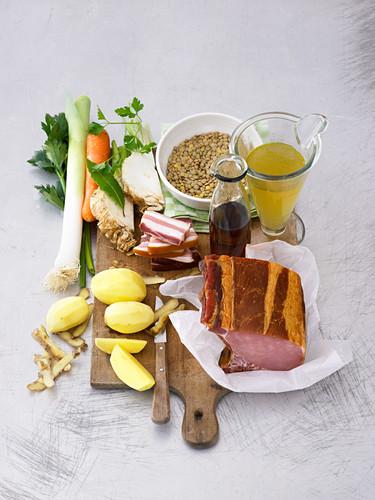 Zutaten für Linseneintopf mit Kartoffeln und Kasseler