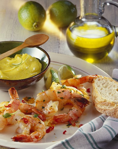 Fried garlic prawns with lime mayonnaise