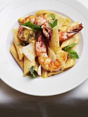 Pasta with prawns, Parmesan and basil