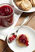 Jam biscuits with redcurrant jam