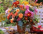 Herbstlicher Blumenstrauss