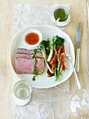 Roast beef with Asian seasoning and vegetables