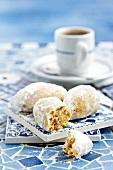Kourabiedes (Greek almond cookies)