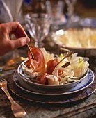 Salatteller mit Schinken