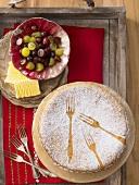 Almond cake with grapes and vanilla ice cream