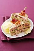 Sandwiches with cranberry mayonnaise and crisps