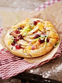Chicken and cranberry mini-pizza