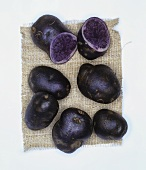 Potatoes, variety: Blauer Schwede (also known as Blue Congo)