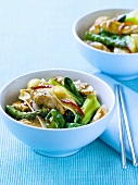 Chicken with vegetables and chillies (Asia)