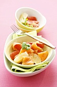 Grapefruit salad with smoked salmon and coriander