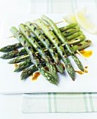 Grilled green asparagus with chilli oil