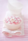Cupcake in pink with checkerboard design