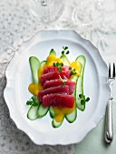 Marinated tuna with mango and fresh cucumber (Christmas)