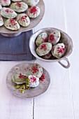 Matcha Beerentatzen (madeline-style cakes)