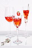 Strawberry Sekt cocktails