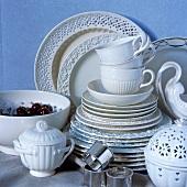 Elegant porcelain crockery