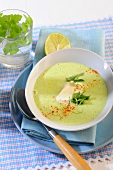 Courgette and mint soup with lime