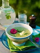 Courgette soup with cheese