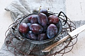 Plums in a old-fashioned bowl