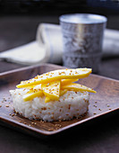 Thai coconut rice with mango