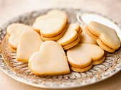 Heart-shaped lemon biscuits filled with lemon curd