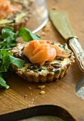 Rocket and date quiche with Pecorino and smoked salmon