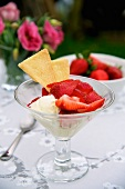 Strawberries with cream and shortbread