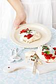 Meringue with raspberries and peppermint yoghurt