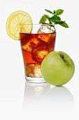 Ice tea with apple