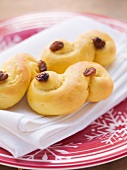 Swedish yeast cakes with saffron (Lussekatter)