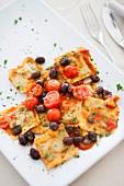 Ravioli pomodoro e olive (ravioli with tomato sauce and olives)