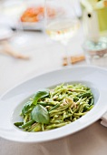 Trofie al pesto (pasta with pesto, pine nuts and green beans)