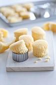 Little, fluted cut-out sponge cakes