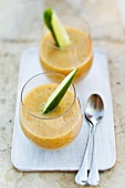 Cucumber and lettuce smoothies with honeydew melon and nectarines