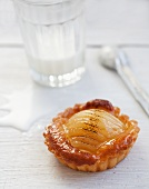 Pear tartlet with marzipan