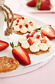 Strawberry tartlets with vanilla cream