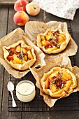 Tartlets with peaches and pecan