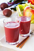 A smoothie of beetroot, savoy cabbage and apple