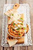 Houmous with sundried tomatoes and flatbread