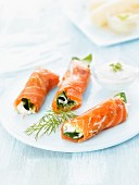 Salmon rolls with fresh cheese and spinach