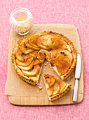 Apple tart with cinnamon, sliced