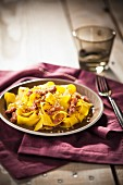 Fettuccine con la carne (tagliatelle with meat sauce, Italy)
