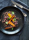 Grilled carrots with red onions and spelt grains